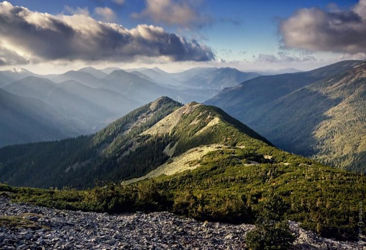 Гірський масив Ґорґани